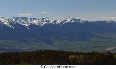 Aerial of Paradise Valley near Livingston Montana, zoom out