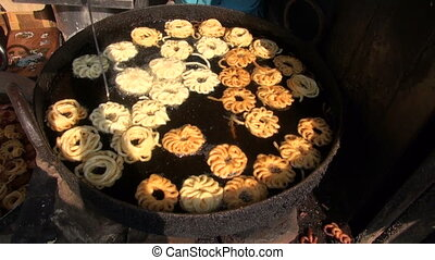 cooking food in Delhi street market
