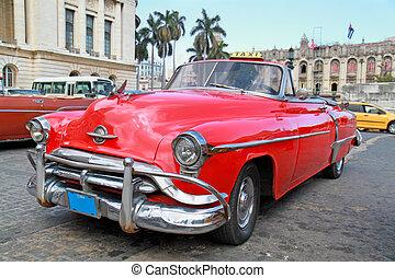 Classic Oldsmobile in Havana. - Classic Oldsmobile in...
