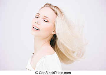 Magnificient blond girl - Portrait of sensual pretty blond...