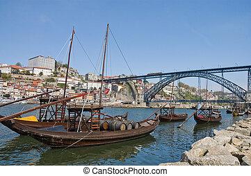 Luis I bridge at Porto, Portugal - Luis I Iron Bridge and...