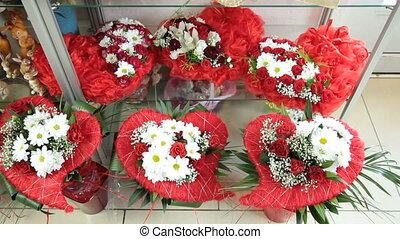 Flower Arrangements In Florist Shop - Valentines Day Flower...