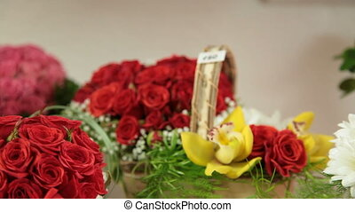 Flower Baskets And Arrangements