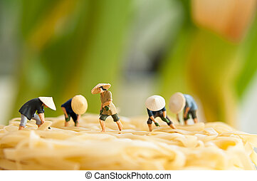 Peasants on noodle field - Figurine peasants on noodle field...
