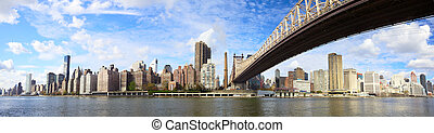 Queensboro Bridge panorama NYC - Midtown Manhattan skyline...