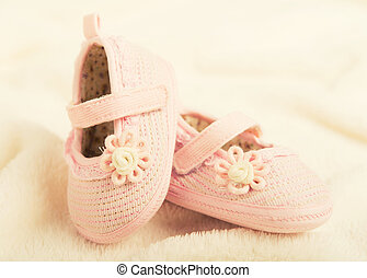 baby booties shoes for newborn girl - pink baby booties...
