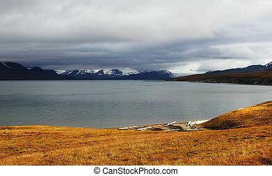 Autumn Arctic landscape in Spitsbergen Svalbard - Autumn...