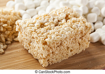 Marshmallow Crispy Rice Treat - Homemade Marshmallow Crispy...