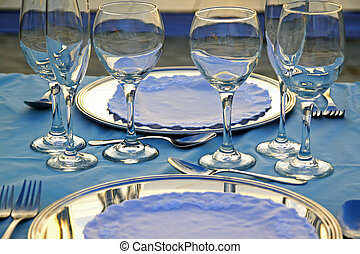 Tropical wedding place setting 07