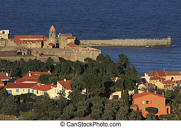 Collioure - Clocher, fortification et phare de Collioure