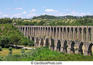 Tomar aqueduct 10