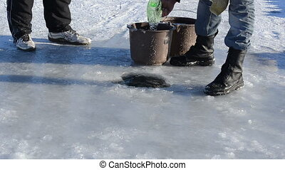 draw water ice skaters