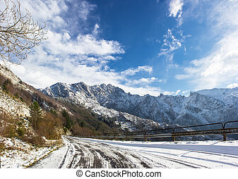 Apuan Alps snow - The first snow of the Apuan Alps whitening...