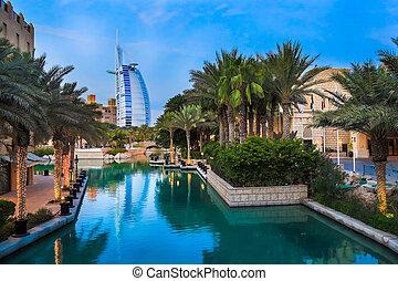 Burj Al Arab is a luxury 5 stars hotel - DUBAI, UAE -...