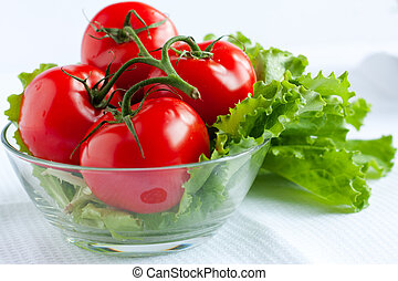 Red tomatoes and lettuce