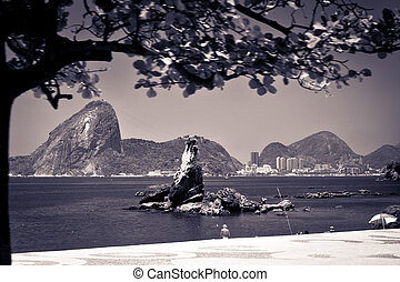 View of the sugarloaf in Rio de Janeiro from Icarai beach in...