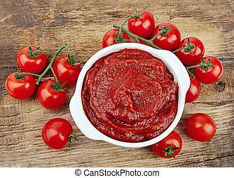 Tomato paste with ripe tomatoes - tomato paste with ripe...