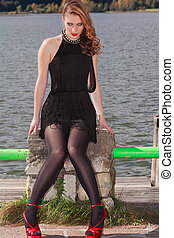 Seduction by the lake - Dizzying styling a young woman...