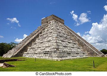 Chichen Itza - Ancient Mayan pyramid, Kukulcan Temple at...