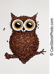 Easy way to the nightlife - A funny owl, made of coffee...