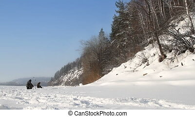 On winter fishing - Winter fishing in Russia on the Tom...