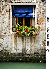 Flower box, Venice, Italy - Flower boxes below a window in...