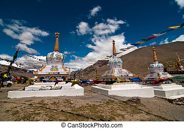 Buddhist Chortens - Beautiful Chortens in Kunzum Devi temple...