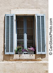 Window with flowers, Lourmarin village, Vaucluse, Provence,...