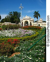 Garden before Mysore Palace gate-I - A beautiful garden...