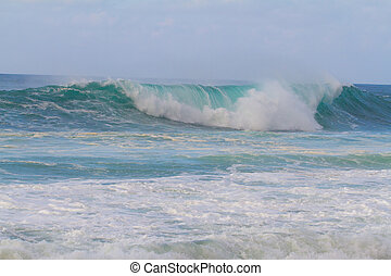 Big Waves at Pipeline Oahu - These huge waves with hollow...
