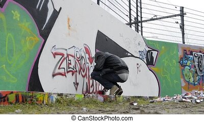 Running graffiti artist - Graffiti artist being disturbed...