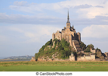 Mont-Saint-Michel - Le Mont-Saint-Michel in the twilight,...