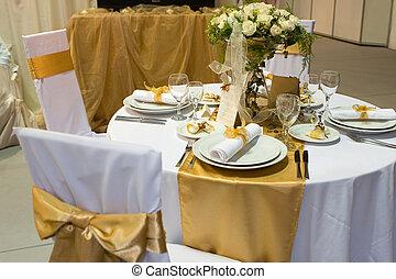 Fancy wedding dinne - Fancy table set for a wedding dinner