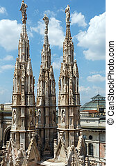 The roof of Milan Cathedra (Italy) - The roof of Milan...