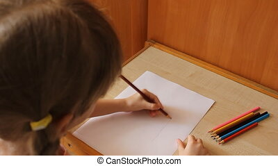 little girl draws and paints 6012