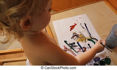 little girl draws and paints 6041