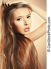 dream hair - Beautiful blonde woman with magnificent long...