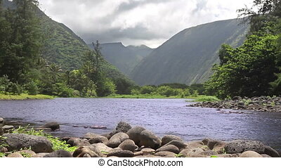 Garden of Eden - Beautiful Hawaiian valley with a river...