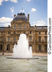 Louvre palace and fountain