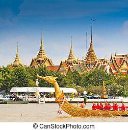 BANGKOK,THAILAND-NO VEMBER 9:Decorated barge parades past...
