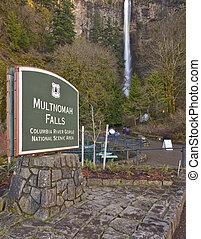 Multnomah Falls Oregon. - Multnomah Falls Columbia River...