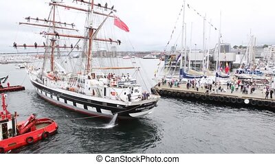 Sailingship Stavros S Niarchos moors to pier in port -...