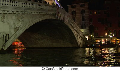 rialto 02 - Rialto bridge in Venice, Italy