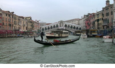 rialto 03 - Rialto bridge in Venice, Italy