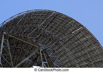 radio telescope antenna - large radio telescope antenna on...
