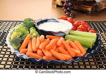 Vegetable party tray - A vegetable party tray with carrots,...