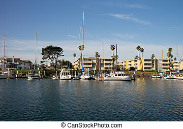 Channel Islands Marina - Boats at Channel Islands Marina in...