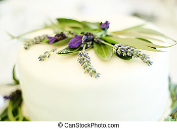 Wedding decoration - Beautiful and natural lavender wedding...