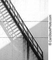 金属, 階段