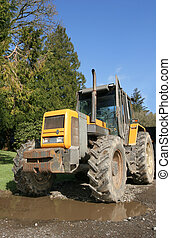 Four Wheel Drive Tractor